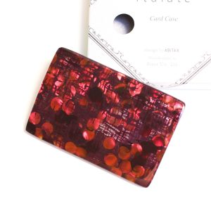 キッソオ italate カードケース ホログラムボルドー